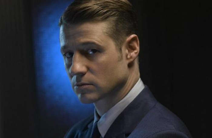 "Gotham | Teaser de ""Red Queen"" Mostra Alucinações de Jim Gordon"